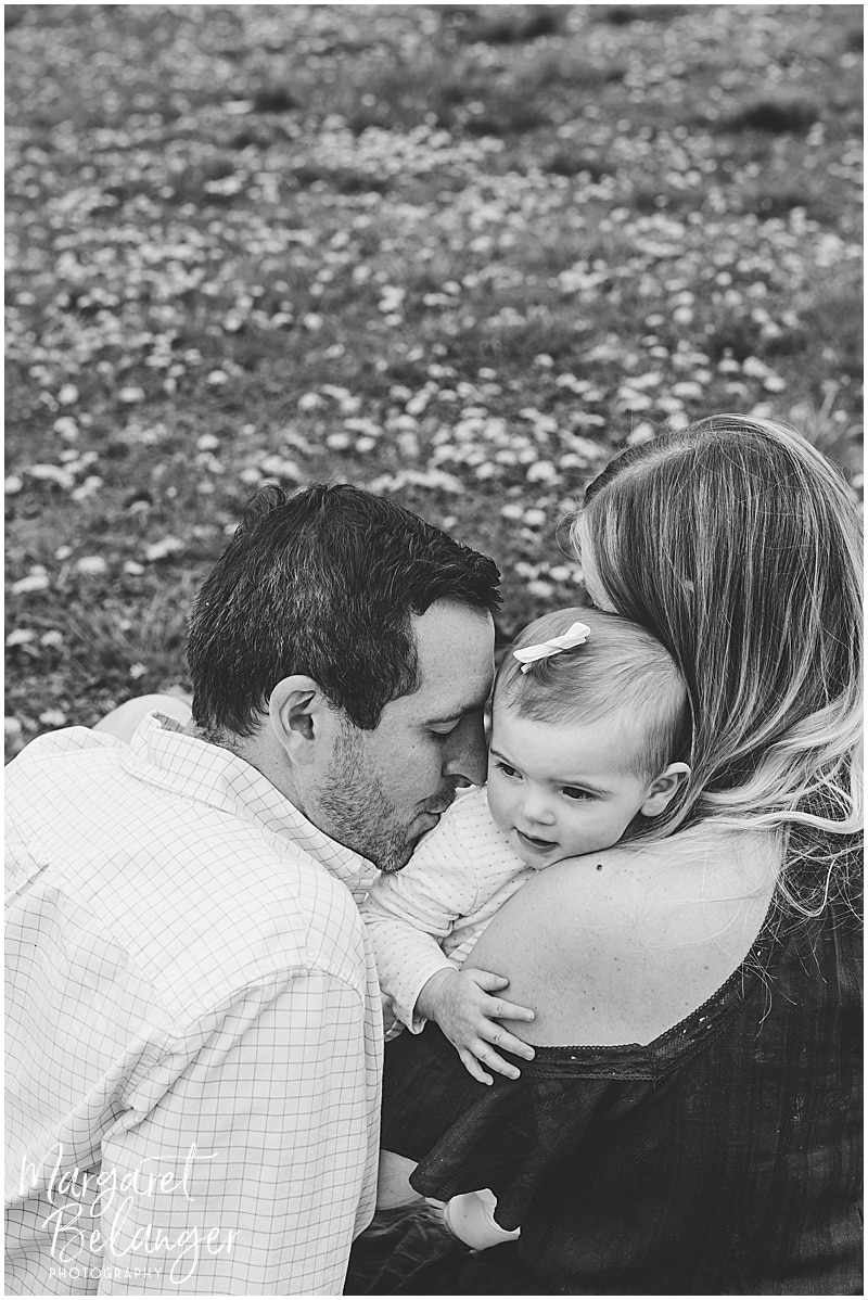 Cambridge family session, family snuggled together