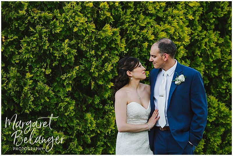 Kirkbrae Country Club bride and groom portraits