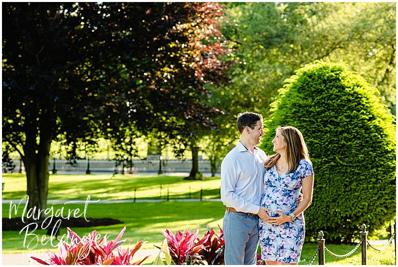 Sunrise Maternity session in the Boston Public Gardens